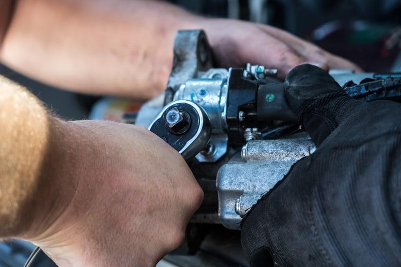 Car-starter-removing-bolts