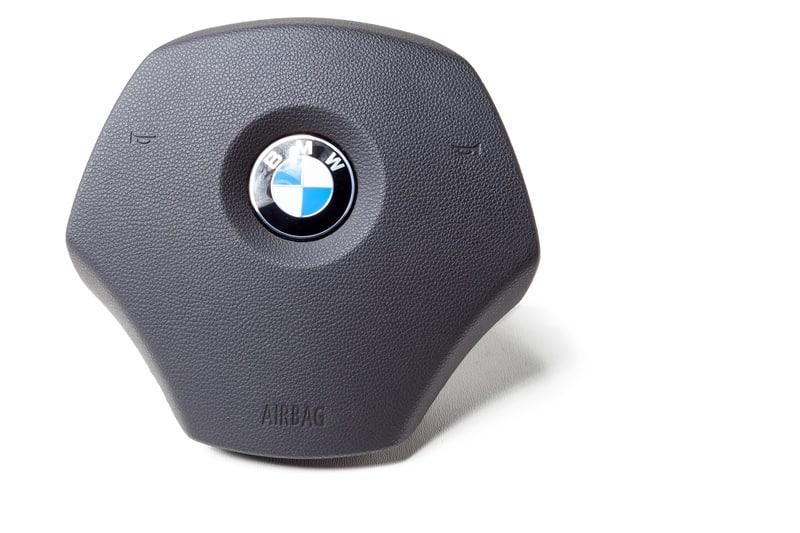 BMW-steering-wheel-airbag