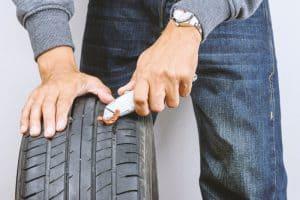 Car tire - Cutting the string plug