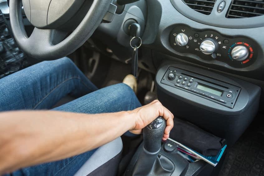Manual-transmission-shifting-gears.