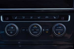 Car ventilation and air conditioning system control system panel