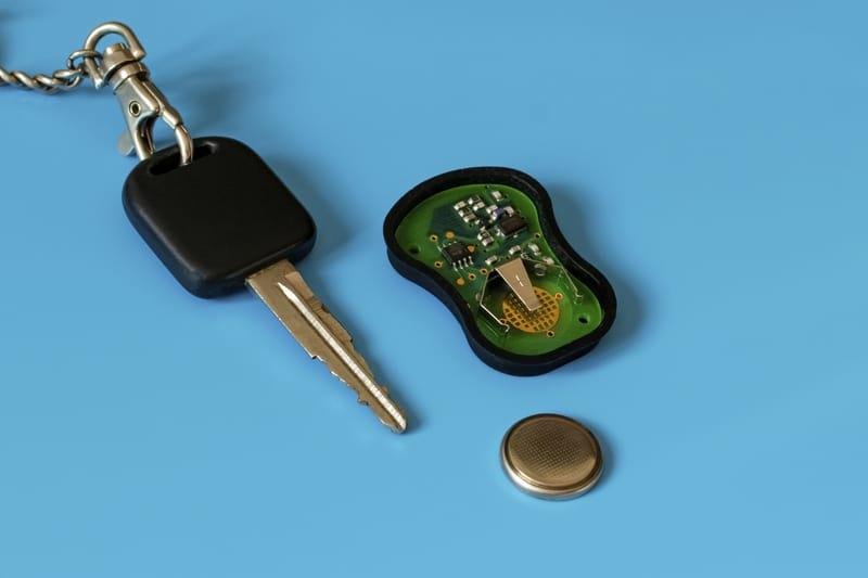 Key-fob-circuit-board-battery
