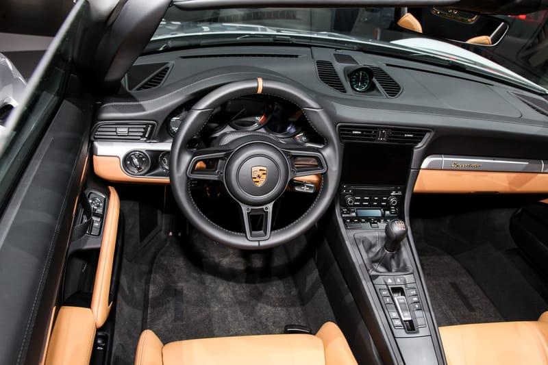 Porsche 911 Manual Transmission - Interior