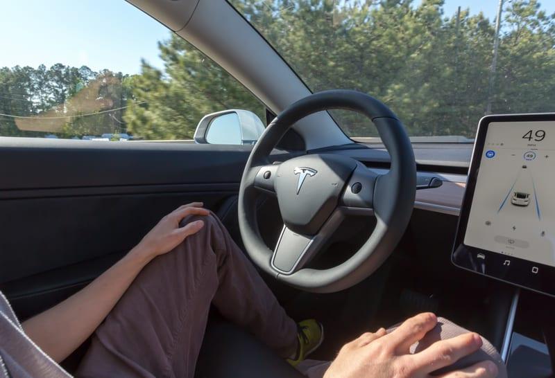 Tesla 3 autopilot