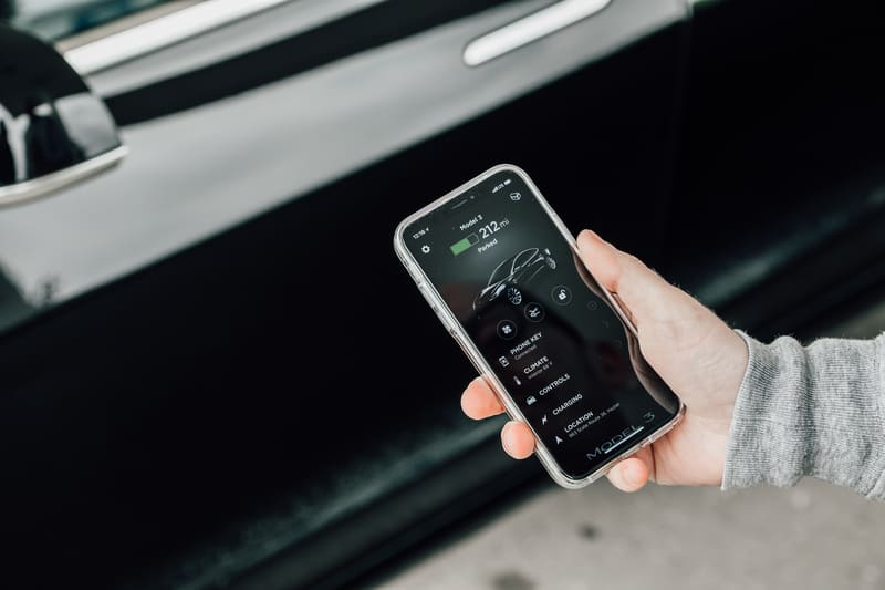 Tesla phone app summon