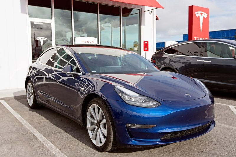 Tesla 3 2018
