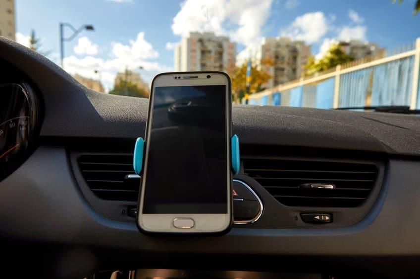Car universal mount smartphone holder