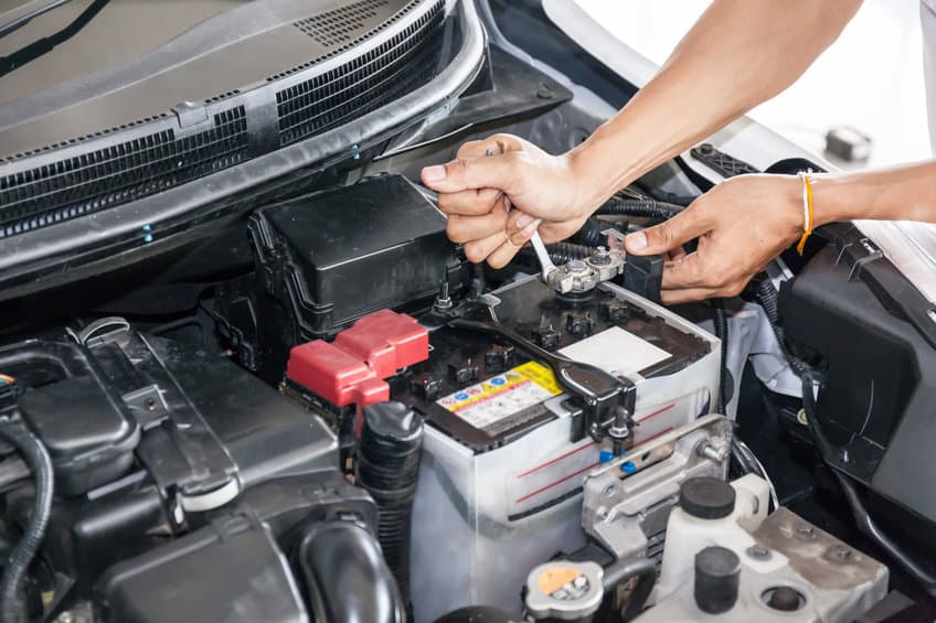 Disconnecting the car battery