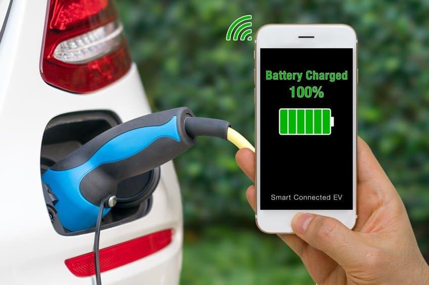 Electric car charging status via smartphone EV