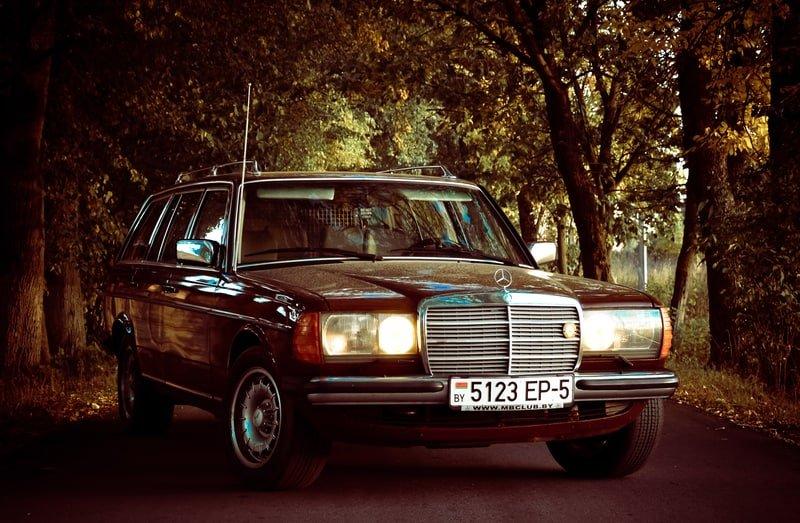 Mercedes-Benz W123 300TD